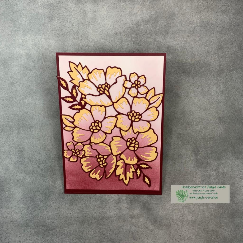 """Jahreskatalog, Stampin' UP!, Produktpaket """"Blumengruß"""" aus Papier Aufstellkarte, Danke sagen, Dankekarte basteln in Friedrichsdorf, Ombree-Effekt in Dunkelrot"""